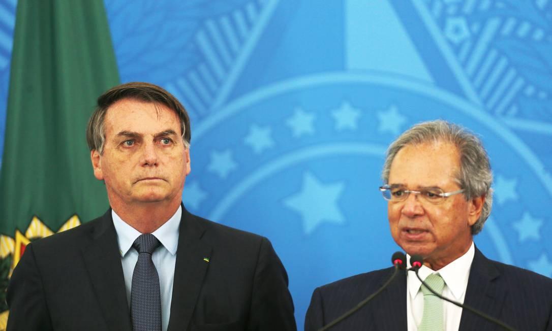 Na foto, o presidente Jair Bolsonaro e o ministro da Economia, Paulo Guedes Foto: Jorge William / Agência O Globo