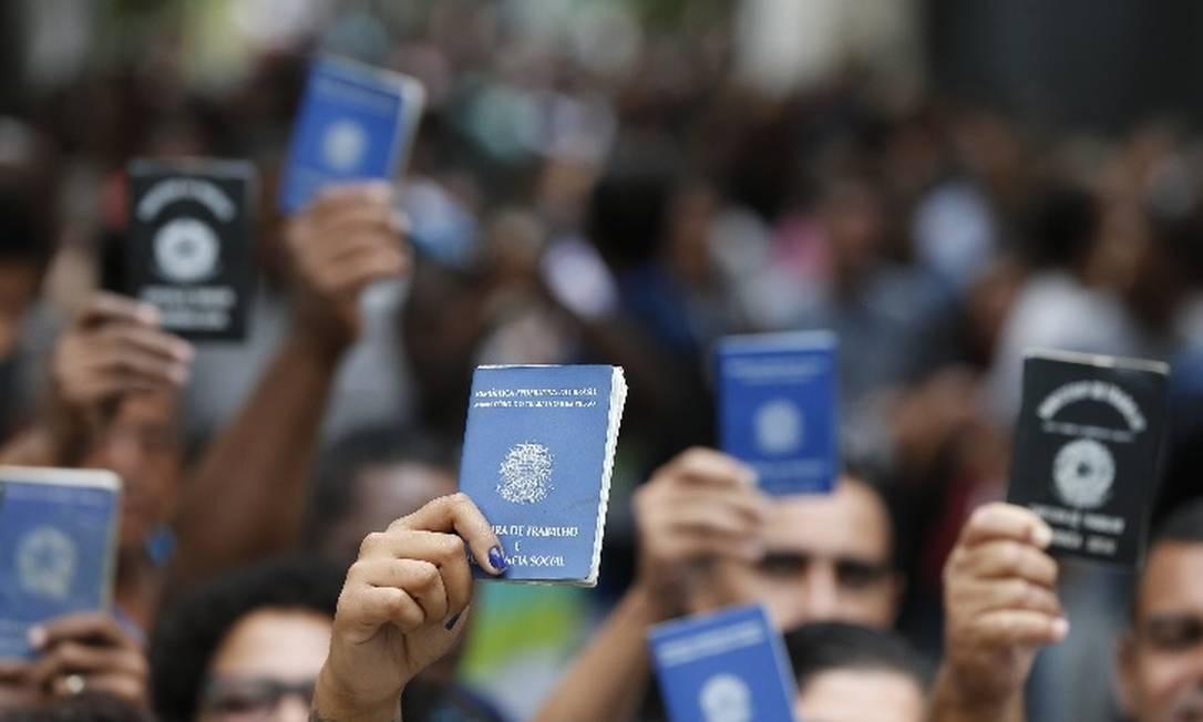 Governo estima que 200 mil brasileiros têm direito a receber o seguro-desemprego Foto: Arquivo/Agência O Globo