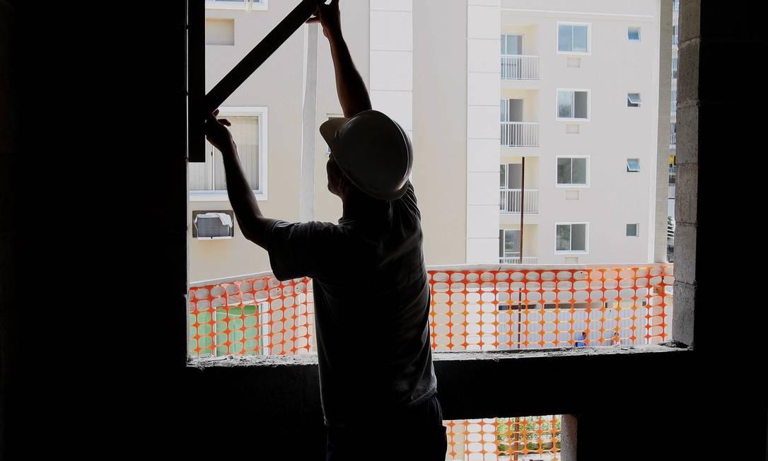 Empresas estão adiando o lançamento de imóveis por conta da crise Foto: Domingos Peixoto / Domingos Peixoto/12.03.2008