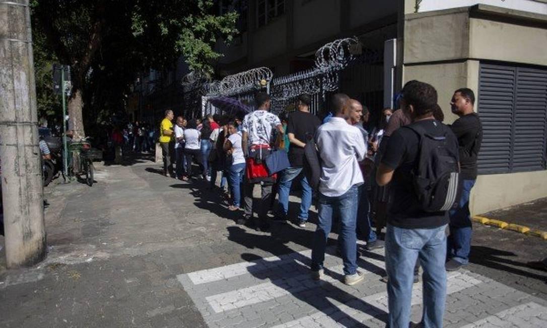 Fila de emprego no Rio Foto: Agência O Globo