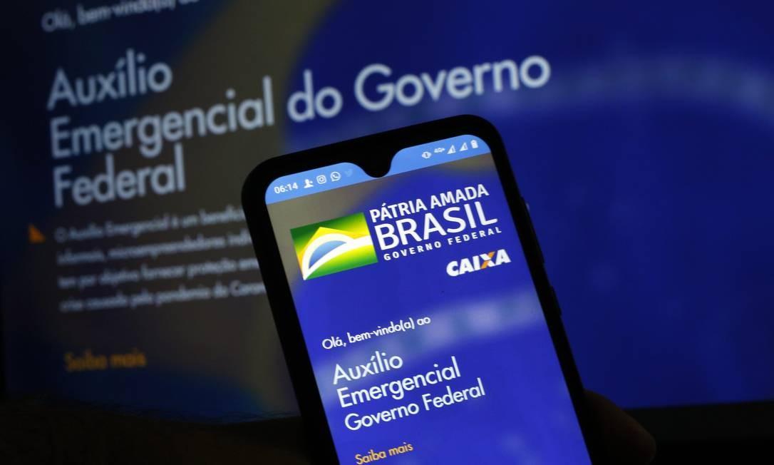 Fotos do Aplicativo e do site para Auxilio Emergencial d Foto: Lucas Tavares/Zimel Press / Agência O Globo