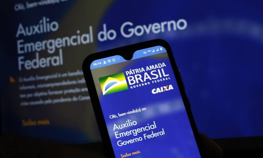 Aplicativo e site para Auxilio Emergencial de R$ 600, pago pelo governo Foto: Lucas Tavares/Zimel Press / Agência O Globo