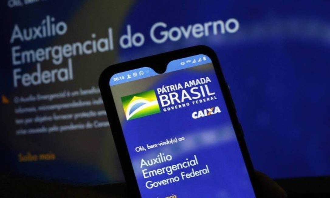 O auxílio emergencial pode ser movimentado pelo aplicativo Caixa Tem Foto: Agência O Globo