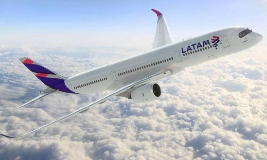 Avião da Latam: com queda na demanda, empresa pediu recuperação judicial Foto: Divulgação