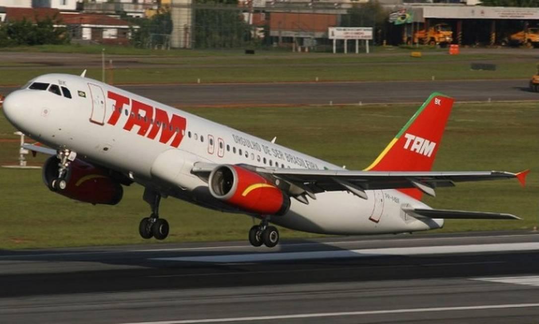 O ano de 2006 marca uma forte expansão internacional da malha da Tam, com início dos voos para Frankfurt (Alemanha), Milão (Itália), Madri (Espanha) e Paris (França) via Rio de Janeiro Foto: Divulgação