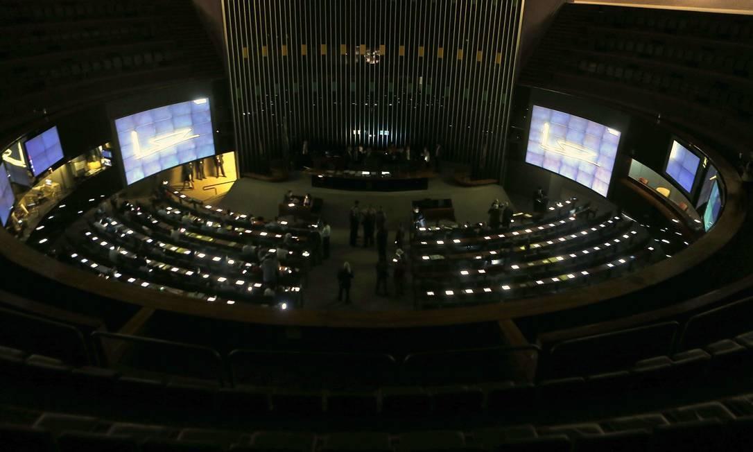 Câmara aprova MP 936 e permite que governo prorrogue medida por decreto