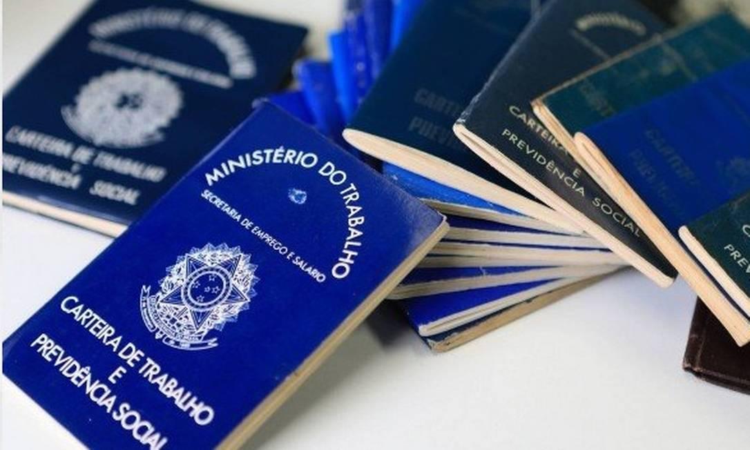 """Primeiro salário mínimo formal teria """"carteira azul simplificada"""", segundo Guedes Foto: Divulgação"""