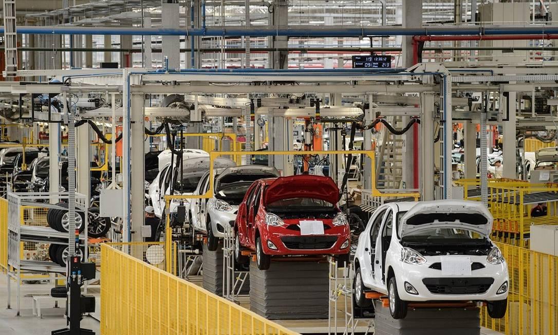 Indústria automotiva: restabelecimento do suprimento de semicondutores é previsto para depois de junho Foto: Yasuyoshi Chiba / AFP
