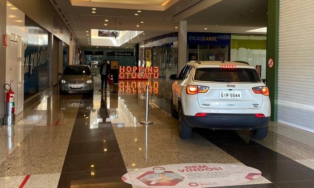 Drive-thru funciona dentro de shopping de Botucatu Foto: Reprodução