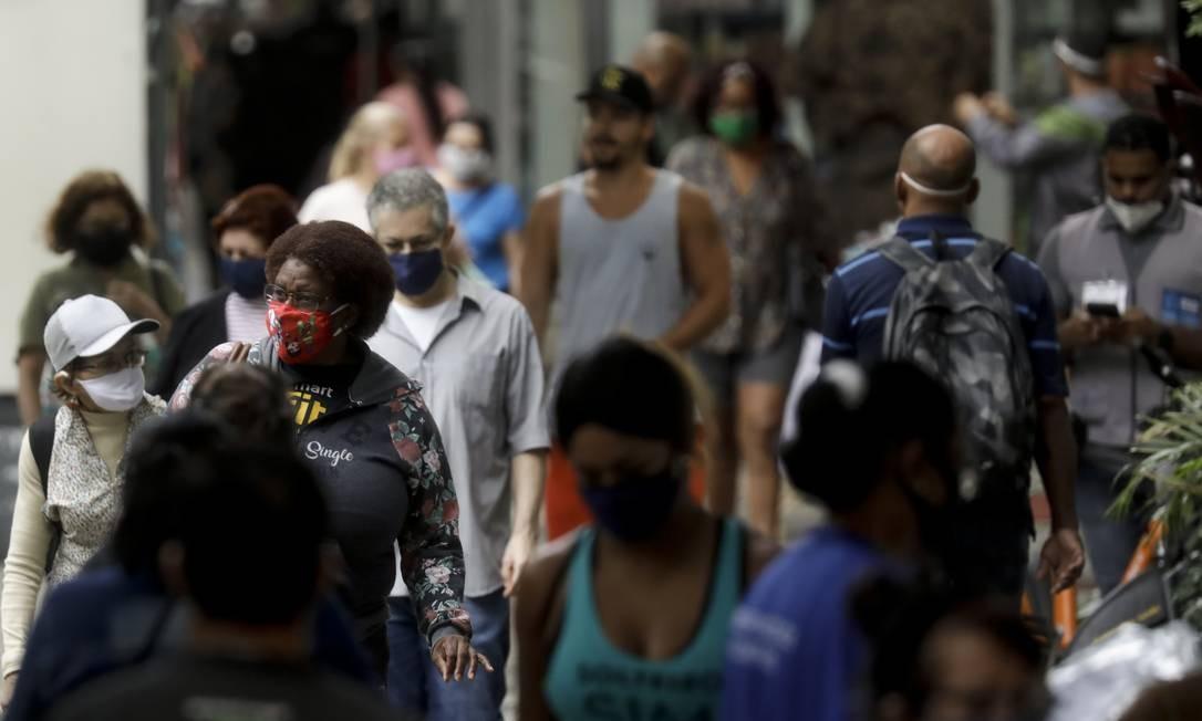 Segundo IBGE, mais de um milhão de pessoas voltaram a trabalhar na segunda semana de junho Foto: Gabriel de Paiva / Agência O Globo