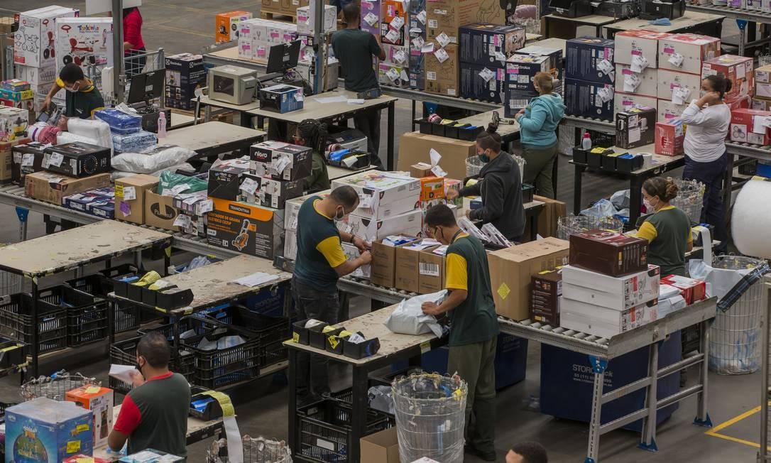 Centro de distribuição da Via Varejo, em Jundiaí: a empresa comprou uma start-up de logística para reduzir custos e aumentar a agilidade Foto: Edilson Dantas / Agência O Globo