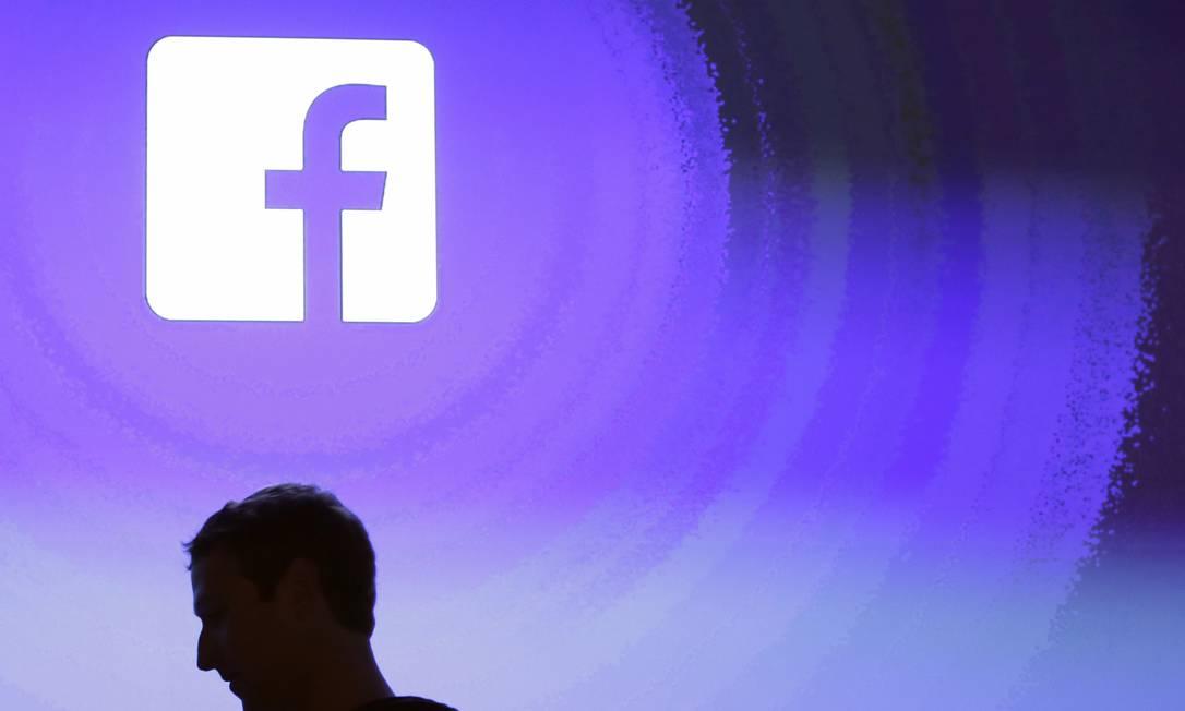 Pesquisa mostra que o diretor executivo do Facebook, Mark Zuckerberg, se tornou mais impopular que o presidente Donald Trump Foto: Arquivo