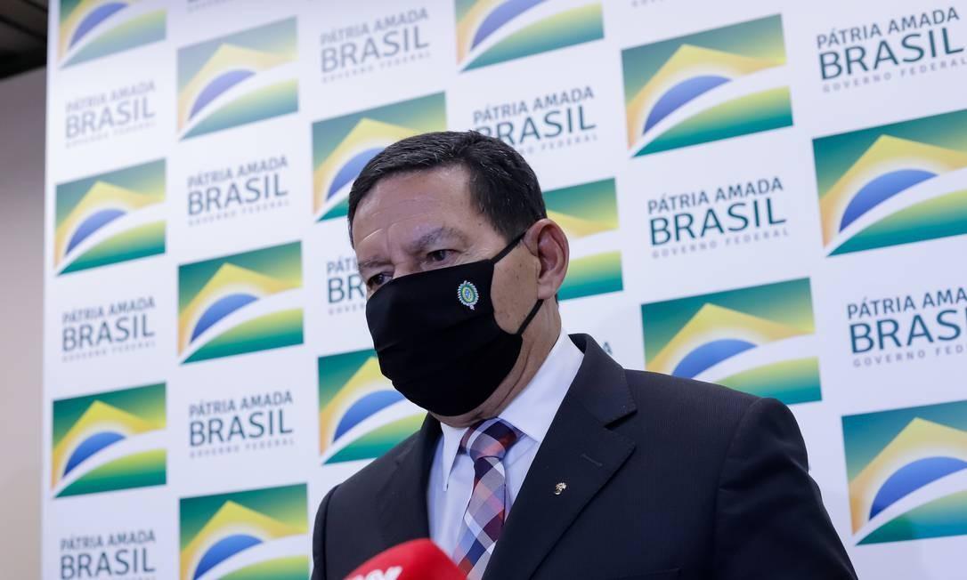Mourão em entrevista coletiva após reunião com investidores Foto: Bruno Batista / Agência O Globo