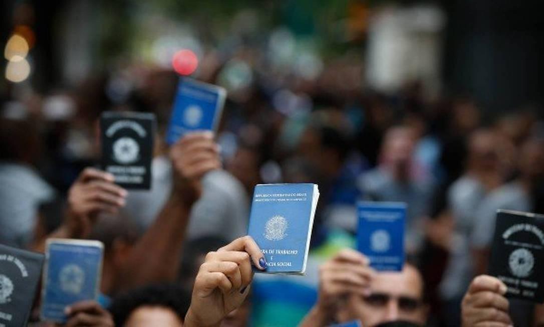 Pedidos de seguro-desemprego recuam pela primeira vez desde fevereiro, mas somam 3,9 milhões em 2020 Foto: O Globo