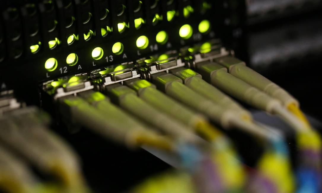 Futuro - Cabos de fibra óptica: expectativa do setor é que país chegue a 21,2 milhões de usuários de 5G em 2025 Foto: Chris Ratcliffe / Bloomberg