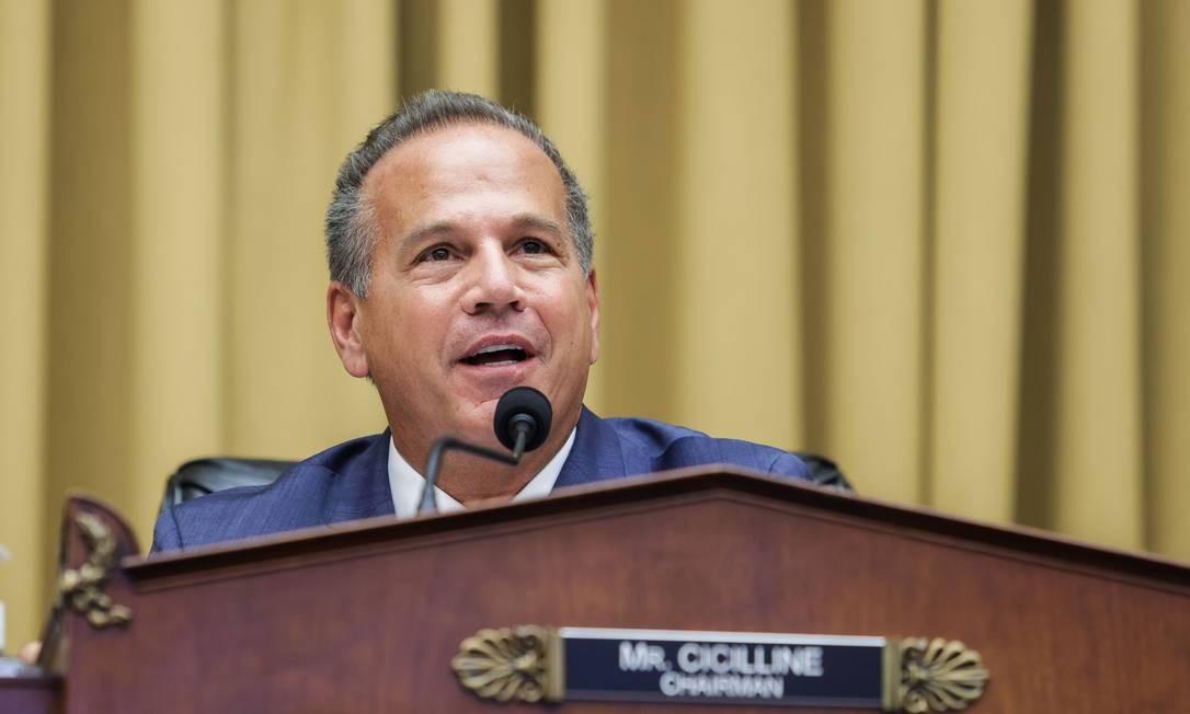 O presidente do subcomitê, o democrata David Cicillin, diz que as big techs ficaram mais poderosas com a Covid-19 Foto: AFP