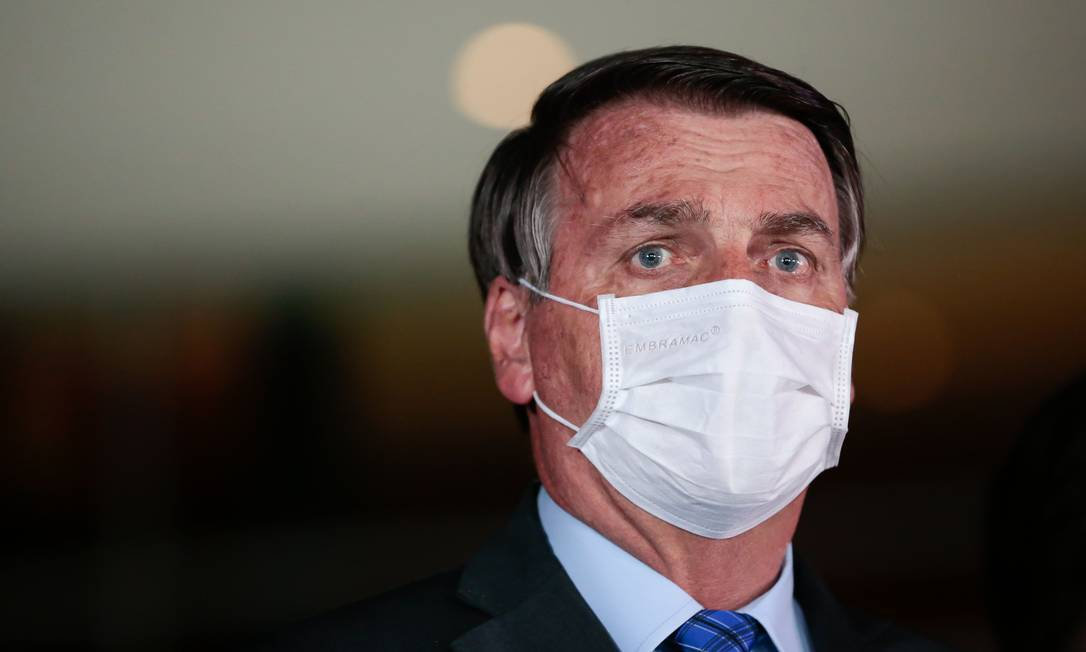 Bolsonaro diz que proposta da equipe econômica para Renda Brasil não será enviada ao Congresso Foto: AFP