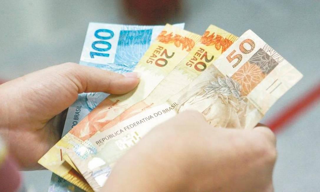Mínimo deve continuar a ser reajustado somente pela inflação, sem ganho real Foto: Reprodução