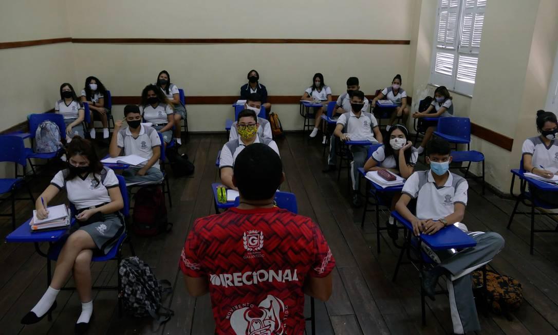 Renda Brasil: Alunos com notas altas e bom desempenho esportivo podem ser premiados Foto: Fotoarena / Agência O Globo