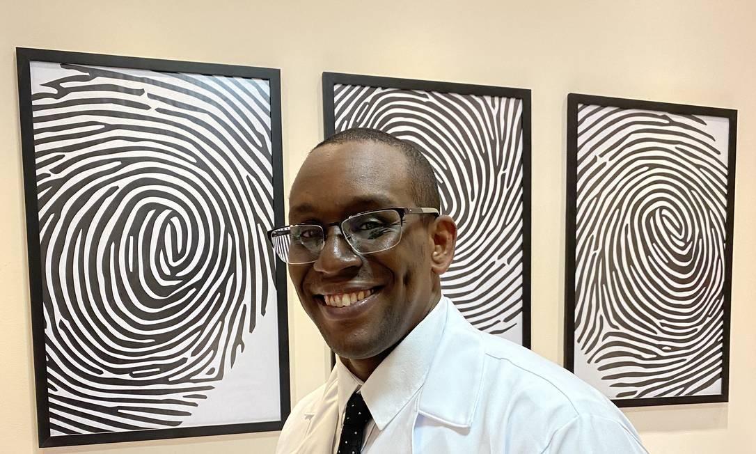 O cardiologista Rafael Bispo se uniu ao empresário Raiam Santos para criar bolsas de estudo para alunos negros de medicina Foto: Agência O Globo