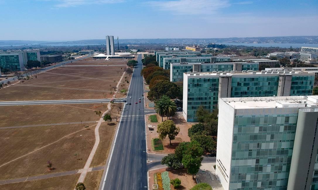 Pente-fino nas despesas dos ministérios tenta liberar espaço para obras no Orçamento Foto: Pablo Jacob / Agência O Globo