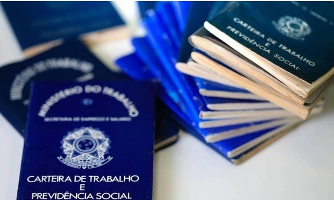 Centrais sindicais defendiam mais duas parcelas adicionais do benefício para quem perdeu o emprego entre 20 de março e 31 de julho Foto: Agência O Globo
