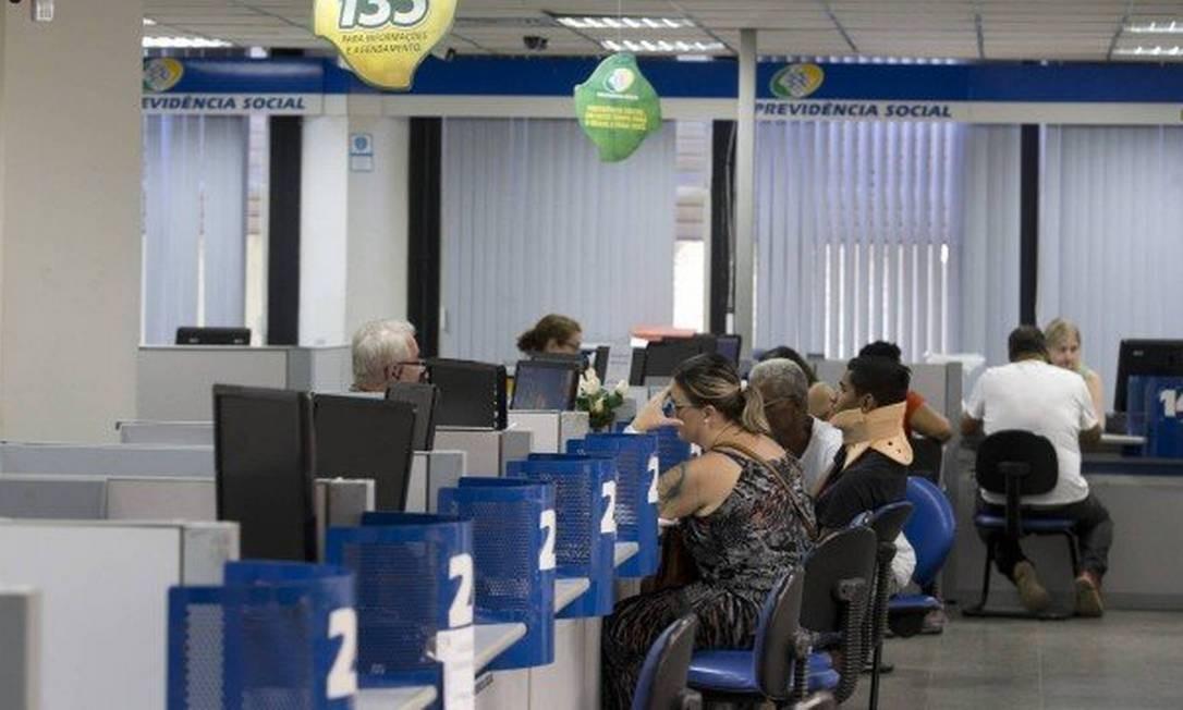 Agências do INSS no país reabriram só com agendamento Foto: Agência O Globo