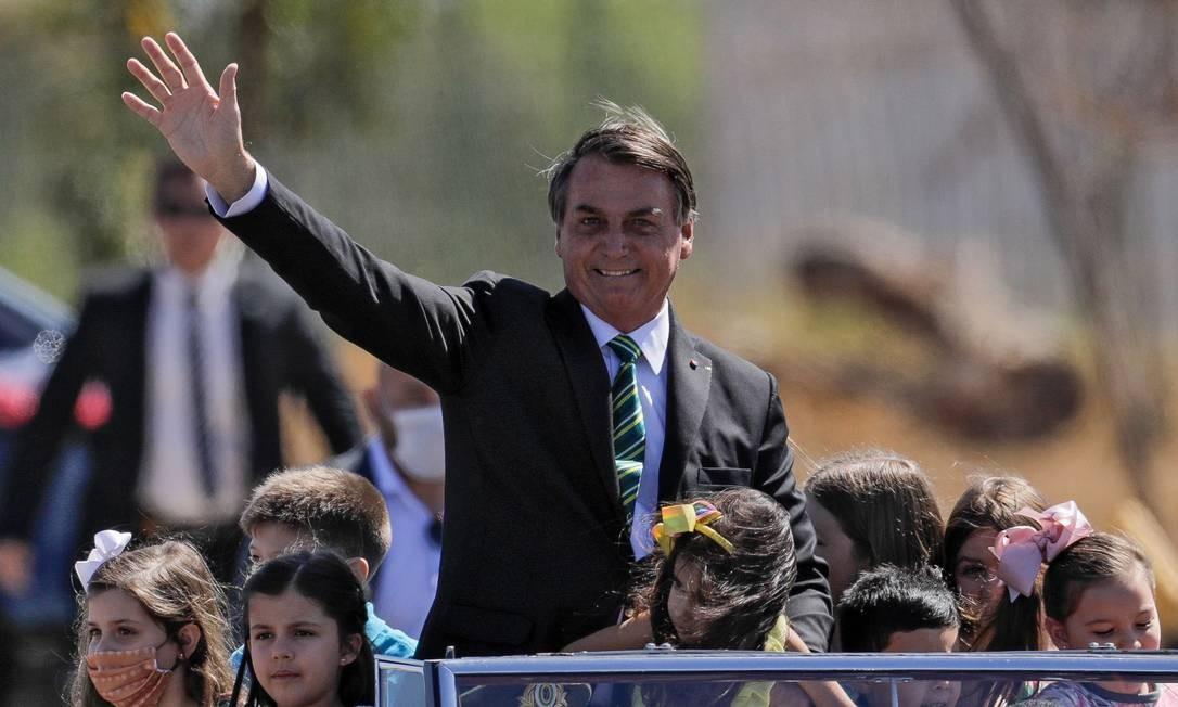 Interesse de Bolsonaro de buscar no Renda Brasil um benefício com marca própria contrasta com desequilíbrio das contas públicas Foto: AFP