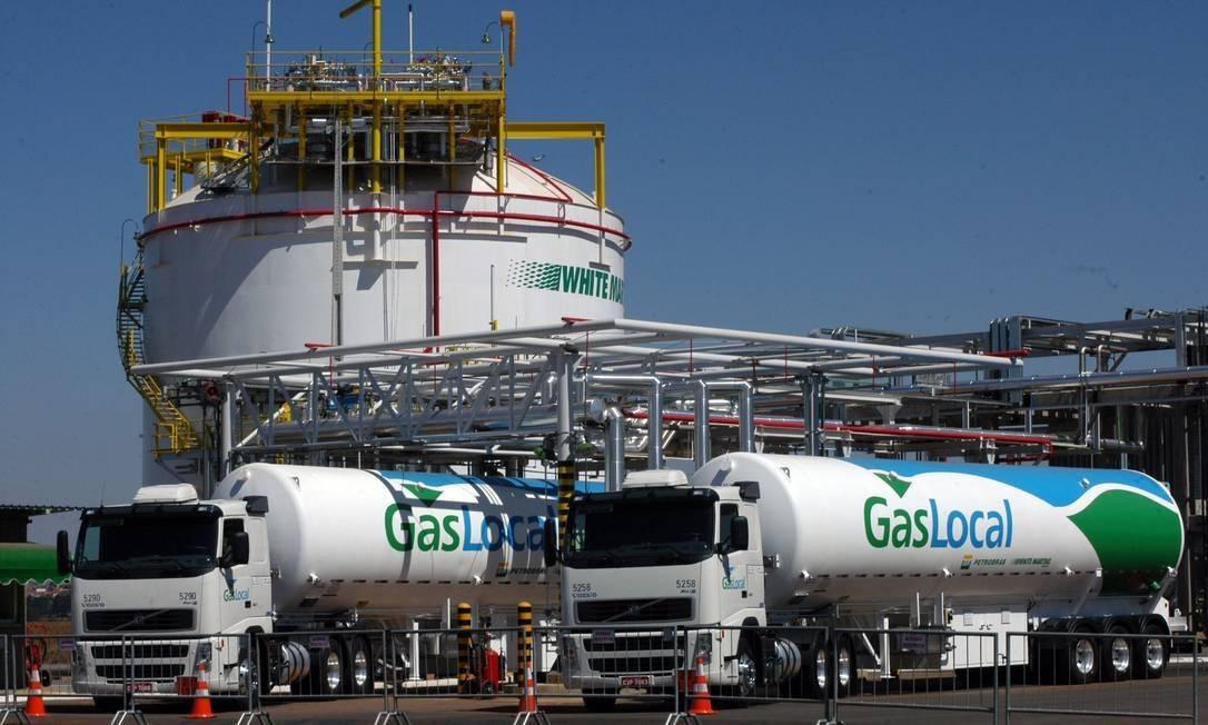 Usina de liquefação de gás da White Martins, com os caminhões da GásLocal, empresa criada a partir de consórcio com a Petrobras Foto: Divulgação
