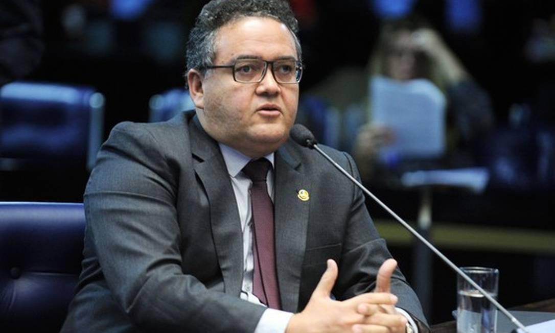 Senador Roberto Rocha ( PSDB-MA) prepara texto sobre unificação de impostos Foto: Agência O Globo