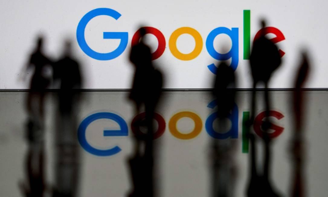 Após serviços do Google ficarem fora do ar, empresas planejam migrar para plataformas concorrentes Foto: AFP