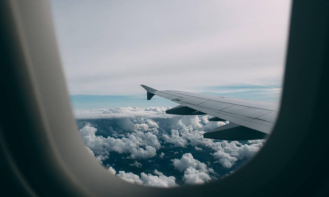 Diante do aumento de casos de Covid no Brasil, quem emitiu passagens deve estar atento as regras em caso de cancelamento de voo. Foto: Pixabay