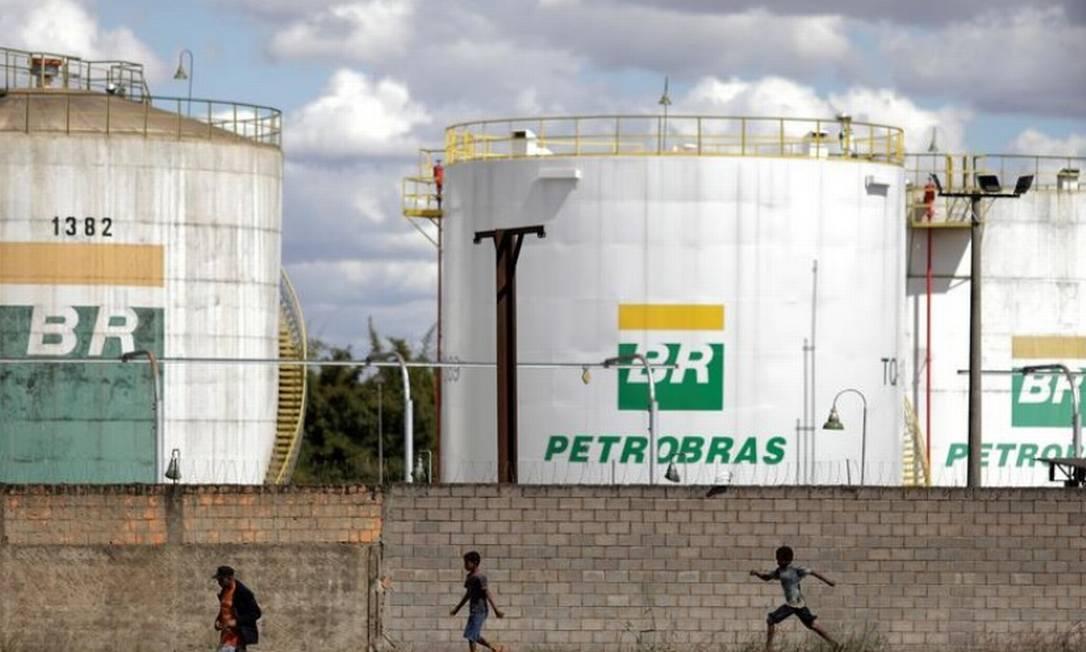 Bolsonaro defende redução de imposto sobre combustíveis, mas faz algumas ressalvas Foto: Reuters