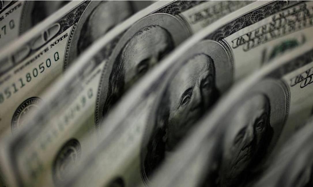 Dólar recua ante real Foto: Reuters