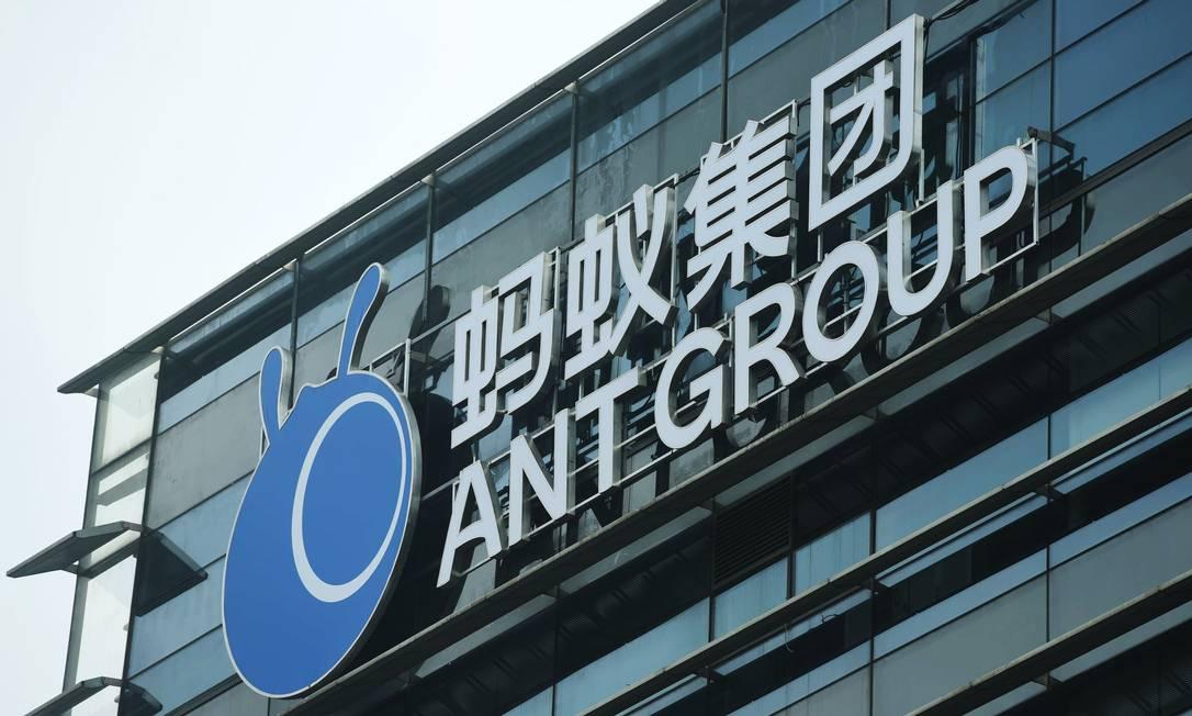 Ant avalia se transformar em holding financeira para acalmar reguladores Foto: AFP