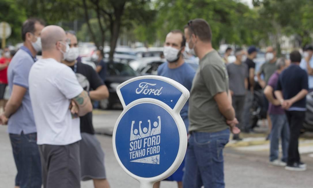 Fechamento das fábricas da Ford no Brasil causa comoção em Taubaté Foto: Edilson Dantas / Agência O Globo