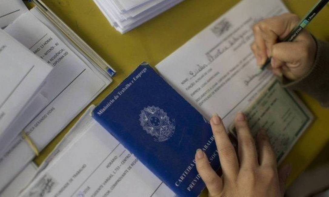 País criou 1,5 milhão de vagas com carteira assinada de janeiro a junho, dos quais 300 mil somente no mês passado, informou Caged Foto: Arquivo