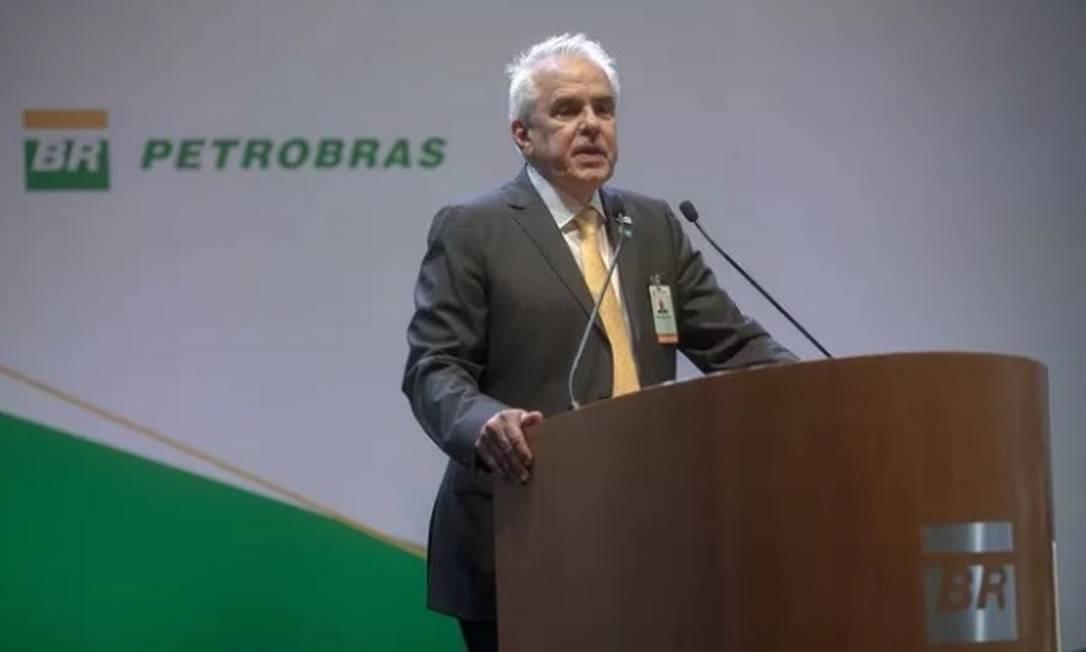 O presidente da Petrobras, Roberto Castello Branco, deixa o cargo no dia 20 de março, após desagradar a Bolsonaro com reajustes de combustíveis. Ele foi indicado por Guedes Foto: AFP