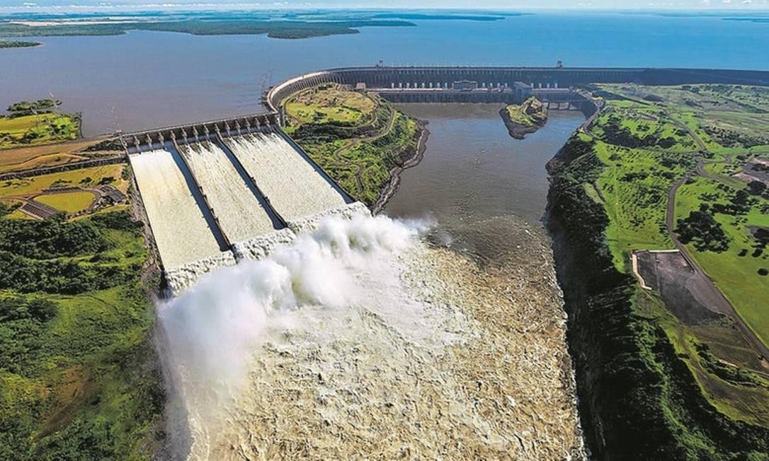 Usina de Itaipu: Como não pode ser privatizada, hidrelétrica permaneceria como estatal. Já subsidiárias como Furnas e Eletronorte seriam vendidas juntas ou separadas Foto: Divulgação