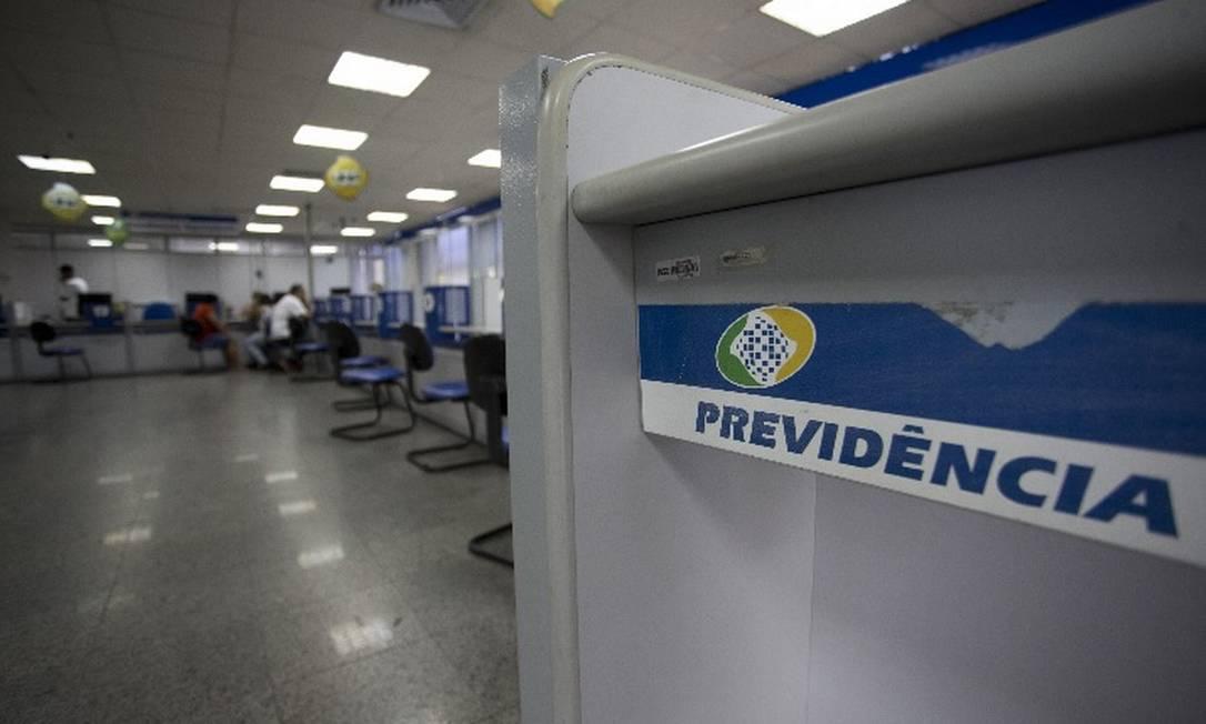 Segurados do INSS receberão as duas parcelas do 13º salário antecipadamente Foto: Arquivo