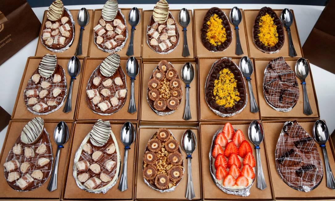 Ovo sobremesa: O ovo para comer de colher, que já faz sucesso, foi gourmertizado nas mãos de confeiteiros Foto: Fabio Rossi / Agência O Globo