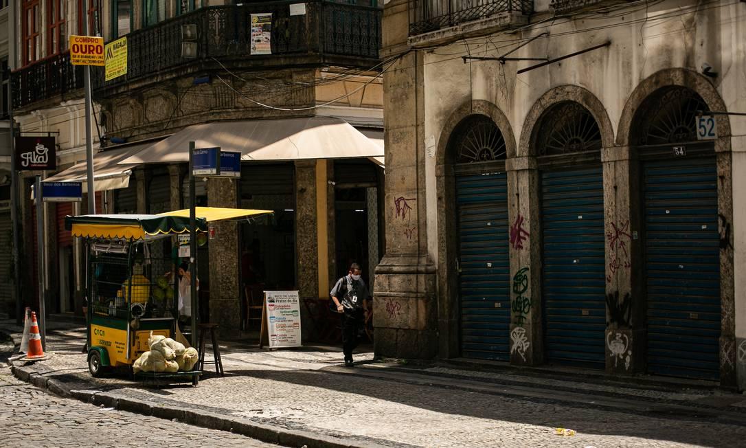 Crise prolongada deixa jovens num limbo, sem emprego e sem perspectivas Foto: Hermes de Paula / Agência O Globo