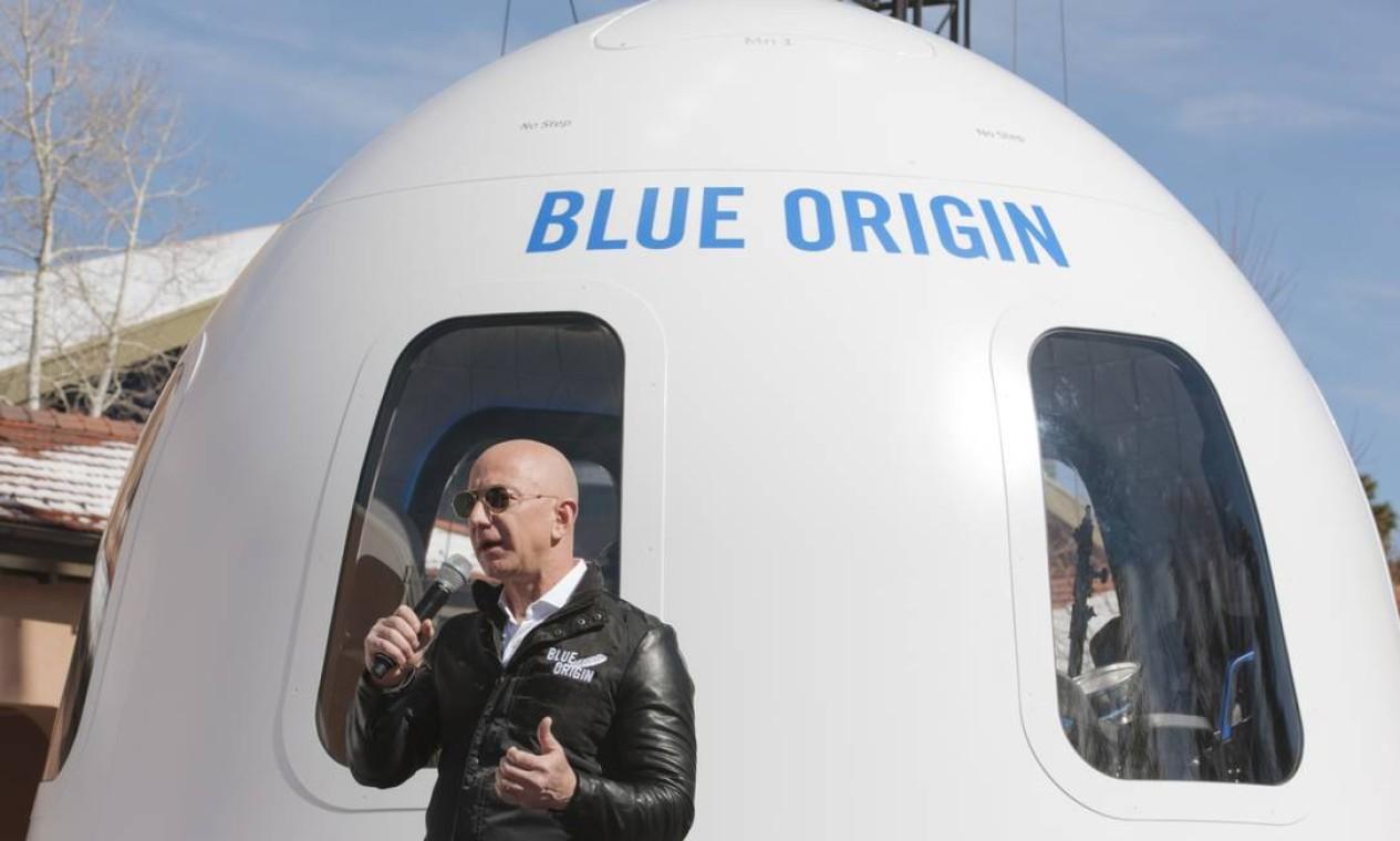 O New Shepard decolou das instalações da Blue Origin no oeste do Texas. Ele é composto por um foguete e uma cápsula que tem espaço para seis pessoas a bordo Foto: Matthew Staver / Bloomberg