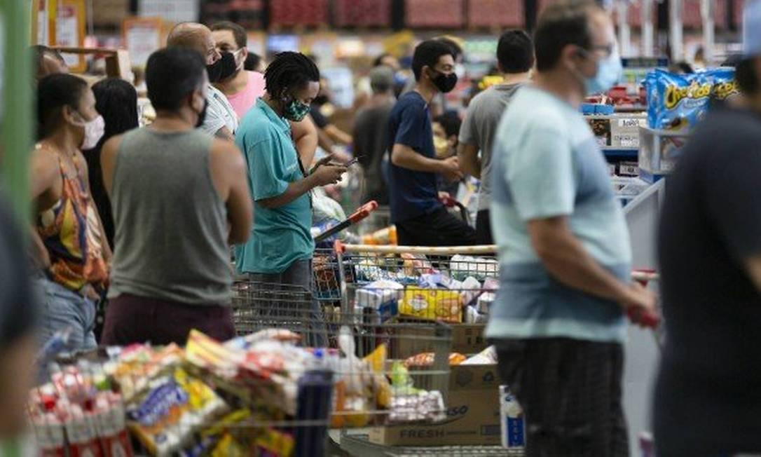 Preço da cesta básica sobe em 15 capitais, diz Dieese