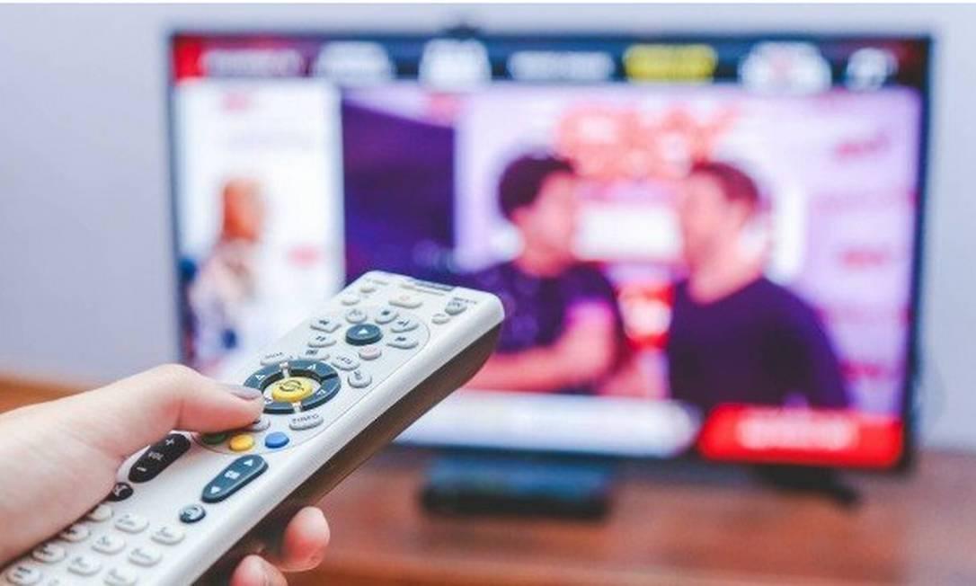No caso dos eletrônicos, a recomendação é desligar o televisor e os videogames quando ninguém tiver usando. Retirar os aparelhos da tomada também ajuda a poupar energia. Foto: Arquivo