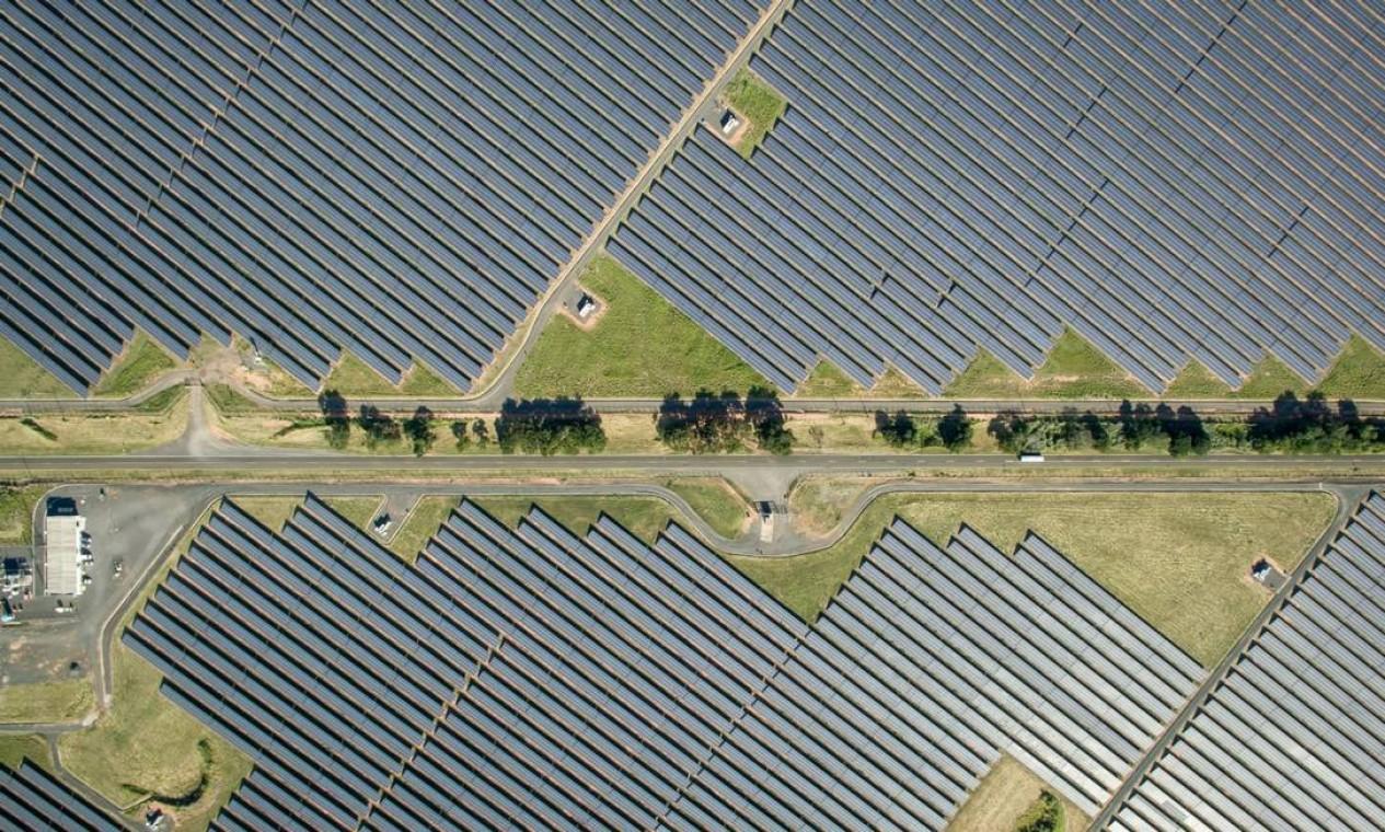 Módulos fotovoltaicos em um parque solar em Guaimbê, no interior de São Paulo Foto: Jonne Roriz / Bloomberg