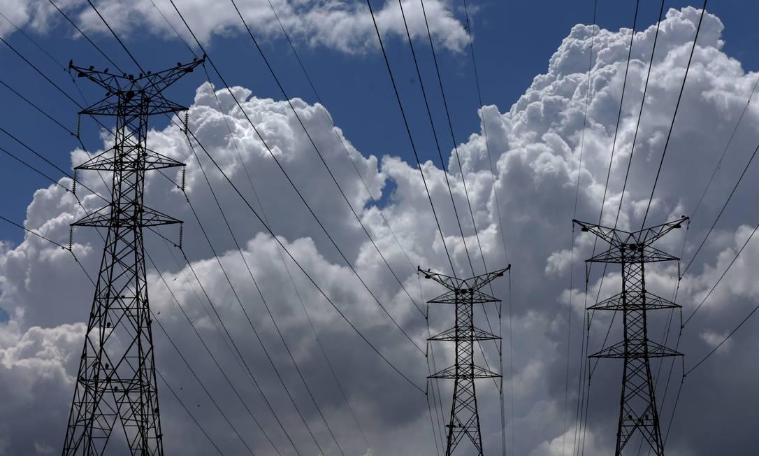 Governo preparar leilão extra para termelétricas para afastar risco de racionamento de energia Foto: Custódio Coimbra / Agência O Globo
