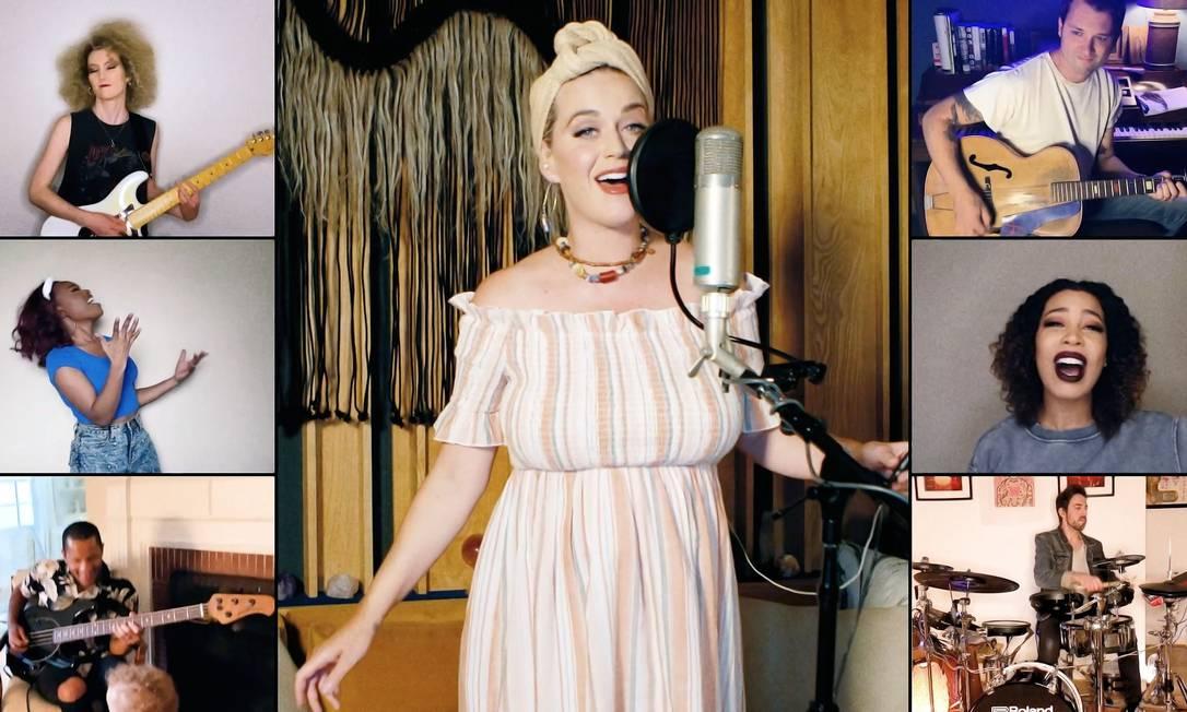 Katy Perry estrela live de vendas da Shein em maio de 2021: influencers fazem parte da estratégia Foto: Getty Images / Getty Images via Bloomberg