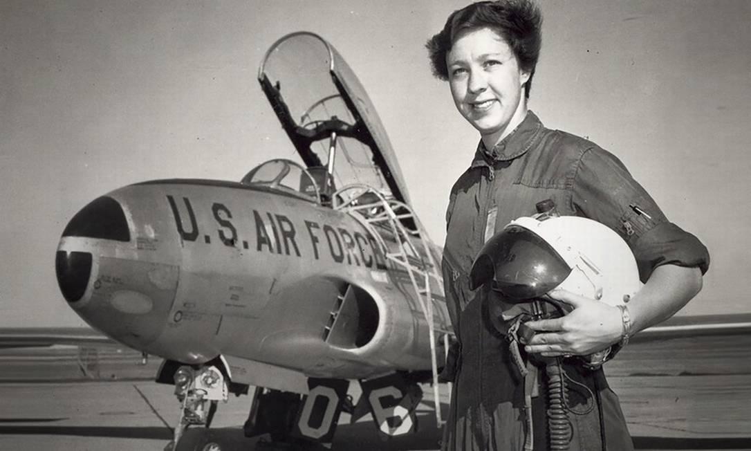 Wally Funk, pioneira do setor aeroespacial, viajará ao espaço com Jeff Bezos. Ela foi primeira mulher a ser inspetora da Administração Federal de Aviação (FAA) dos EUA Foto: AFP