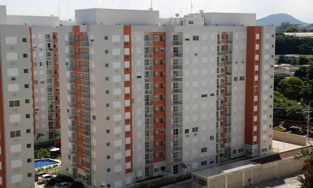 Maioria dos bancos do país está subindo os juros do financiamento imobiliário, seguindo a alta da taxa básica Foto: Brenno Carvalho / Agência O Globo